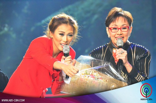 PHOTOS: Gov Vilma Santos-Recto, game na game na nakipag-Karaokey showdown sa #ASAP20Years