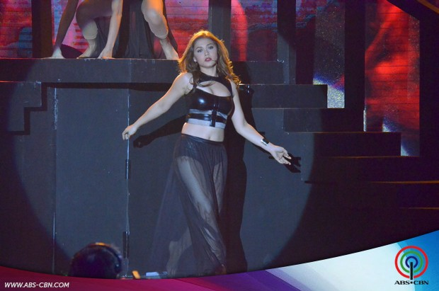PHOTOS: Sexy ladies Maja, Arci and Michelle in sizzling dance number