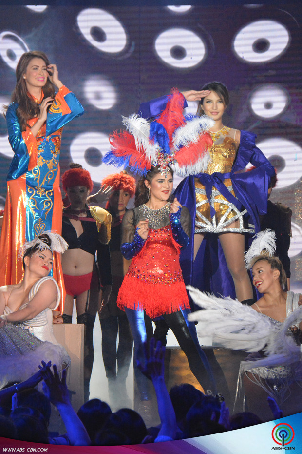 LOOK: Sexy dance showdown with ASAP's show girls Vina, Sunshine, Sarah and Michelle